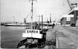 62 CALAIS - Vue Du Port Et La Gare Maritime - Calais