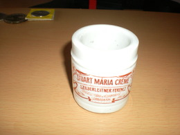 Old Pharmacy, Apothecary Porcelain Bottles. Original - Secession Stuart Maria Creme Szilberleiter Ferencz Szabadka  Subo - Matériel Médical & Dentaire