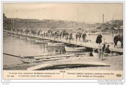 MILITARIA GUERRE 1914-18  Passage D'un Régiment De Spahis Sénégalais Sur Le Nouveau Pont De Compiègne  .......... 1914 - Guerre 1914-18