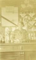 France Lille Estaminet Le Café André La Patronne Au Comptoir Ancienne Photo Capin 1933 - Places