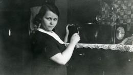 France La Pannerie Julia Au Phonographe Ancienne Photo Capin 1935 - Places