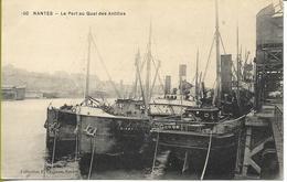 NANTES Le  Port  Au Quai Des Antilles (cargos) - Nantes