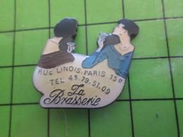 1018B Pin's Pins / Rare Et De Belle Qualité / THEME BOISSONS : LA BRASSERIE RUE LINOIS PARIS 15e - Volkswagen