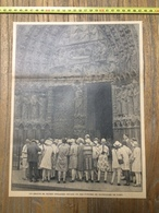 ANNEES 20/30 GROUPE DE JEUNES ANGLAISE A NOTRE DAME DE PARIS CATHEDRALE - Collections