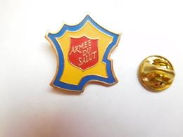Beau Pin's , Association , Armée Du Salut , Carte De France - Associations