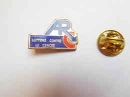 Beau Pin's , Médical , ARC , Lutte Contre Le Cancer - Medical