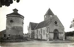 - Allier .-ref-C224 - Lusigny -  Saint Germain De Salles - St Germain De Salles - Eglise Et Pigeonnier - Pigeonniers - - Frankreich