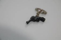Vintage TOY GUN :  SCHICK Revolver - L=4,5cm - Keychain 1960s - Keywords : Cap - Cork Gun - Rifle - Revolver - Pistol - Decorative Weapons