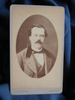 Photo CDV J. Allard à Toulouse  - Portrait Homme Moustachu Au Regard Rieur Circa 1885 L395B - Oud (voor 1900)