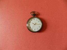 Montre Gousset Quartz - Verso Ciselé Fleurs Or Et Argent Sur Fond Noir - Horloge: Zakhorloge