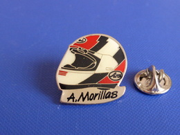 Pin's Casque Coureur Moto Adrien A. Morillas- Grand Prix - Yamaha - Arai (JF11) - Motorbikes