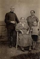 Photo Originale Portrait De Famille Allemande Idéale Vers 1930 - Grand-Mère Et Arrières Grands-Parents - Personnes Anonymes