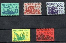 Pays Bas  / Série N 703 à 707/ NEUFS** - 1949-1980 (Juliana)