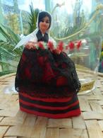 Poupée De Collection Pays Basque Marque Corinelle - Dolls