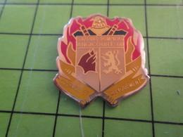 1018B Pin's Pins / Rare Et De Belle Qualité / THEME POMPIERS : SAPEURS POMPIERS DE AGINCOURT OISE - Firemen