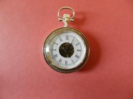 Montre Gousset Mécanique Squelette Bord Ciselé Argenté - Verso Cuir - Horloge: Zakhorloge