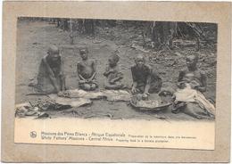 AFRIQUE EQUATORIALE - Missions Des Pères Blancs - Préparation De La Nourriture - DELC3 - - Guinée Equatoriale