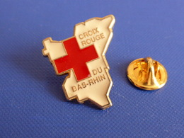 Pin's Croix Rouge Du Bas Rhin - Alsace - Secours Médical (MA69) - Medical