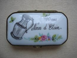 Boite Ancienne  En Porcelaine  Peinte à La Main 10 Ans Noces D'étain - Boxes