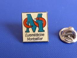 Pin's Euromédecine Montpellier - M Caducée Serpent - Hôpital - Centre Hospitalier (MA61) - Medical