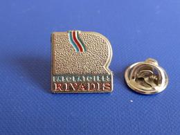 Pin's Laboratoires Rivadis (YD2) - Medical