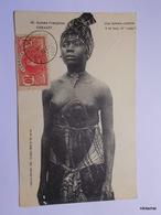 CONAKRY-Une Femme Comme Il En Faut-A Lady - Guinée