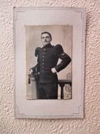 CDV  Militaire SOUS OFFICIER Sergent Du 85 ème Régiment En Tenue D' Apparat - Insigne Bon Tireur Baïonnette - Guerra, Militares