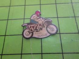 1018c Pin's Pins / Rare Et De Belle Qualité / THEME MOTOS : MOTARD MOTO-CROSS TEDDY DUGUE - Motorbikes
