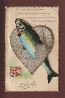 1er AVRIL - Carte à Système (4 Bébés) -en Relief Avec Un Poisson, Et Un Coeur Argenté En Paillettes - Voir Les 4 Scannes - 1er Avril - Poisson D'avril