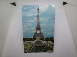Carte Postale    PARIS  CPA Années 60  14x9 - Tour Eiffel