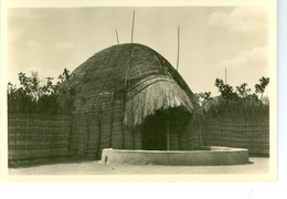 CP Ruanda Case D'un Chef  Photogr. Zagourski 1930ss. L'Afrique Qui Disparaît 106 - Ruanda-Urundi