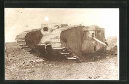 Foto-AK Panzer Auf Dem Schlachtfeld - War 1914-18