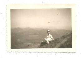Photographie , 9.5 X 6.5 , Vue Sur Les Monts Dôme , Chaine Des Puys , Homme , Chien , 1947 - Lieux
