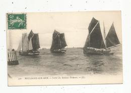 Cp , Bateaux De Pêche , Sortie Des Bateaux Pêcheurs , 62 , Pas De Calais , Boulogne Sur Mer , Voyagée 1911 - Pêche