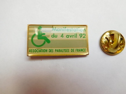 Beau Pin's , Médical , Association Des Paralysés De France , Handicap - Medical