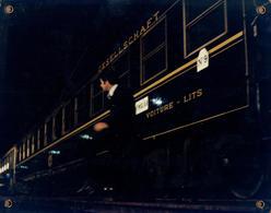 Grande Affichette Cartonnée, Promo De Film, Salle De Cinéma - Train, Wagons Lits & Gesellschaft N°9 - Photographie