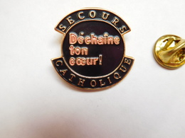Beau Pin's , Association , Secours Catholique - Associations