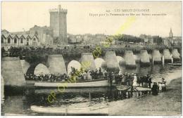 85. LES SABLES D'OLONNE . Départ Pour La Promenade En Mer Sur Bateau Automobile . - Sables D'Olonne