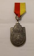 Medaille 10 Km Saive Marche De L Armistice - Tokens & Medals