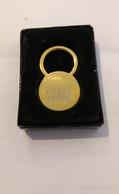 Porte-cles Queens Pub Dudelange - Tokens & Medals