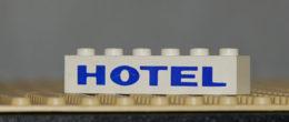 Lego Brique 1 X 6 Blanc Avec Motif Epais Bleu HOTEL Ref 3009pb009 - Lego Technic
