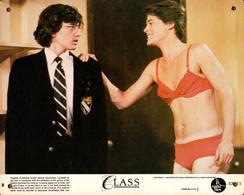 Grande Affichette Cartonnée, Promo Du Film Class - 1983 - Travesti & Sous Vêtements - Rob Lowe, A. McCarthy, J. Bisset - Photographie