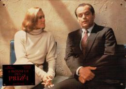 Grande Affichette Cartonnée Promo Du Film L'Honneur Des Prizzi 1985 - Jack Nicholson, Anjelica Huston, Kathleen Turner - Photographie