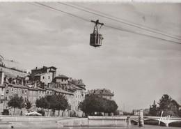 GRENOBLE (38). Le Téléférique De La Bastille, Les Quais, Lessive Au Vent. Un Pont - Grenoble