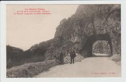 AU COL DE LA SCHLUCHT - VOSGES - LE TUNNEL - A GAUCHE, LE CHALET HARTMANN - France