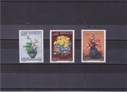 MONACO 1973 FLEURS BOUQUETS Yvert 948-950 NEUF** MNH Cote : 8,10 Euros - Monaco