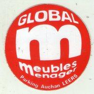 .STICKER .. AUTOCOLLANT . LEERS . GLOBAL M . MEUBLES MENAGER . PARKING AUCHAN LEERS . JEU  BON ACHAT DE 100 FRANCS - Stickers