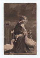 1910 Years Postcard LOVELY BOY CHILD CHILDREN Birds Bids Ganso Geese - Scenes & Landscapes