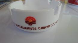 CENDRIER  RESTAURANTS L ARCHE    ****    A   SAISIR  ***** - Ashtrays