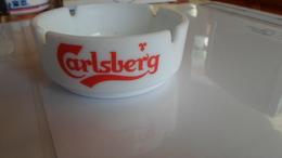 CENDRIER  CARLBERG BEER  ****    A   SAISIR  ***** - Ashtrays